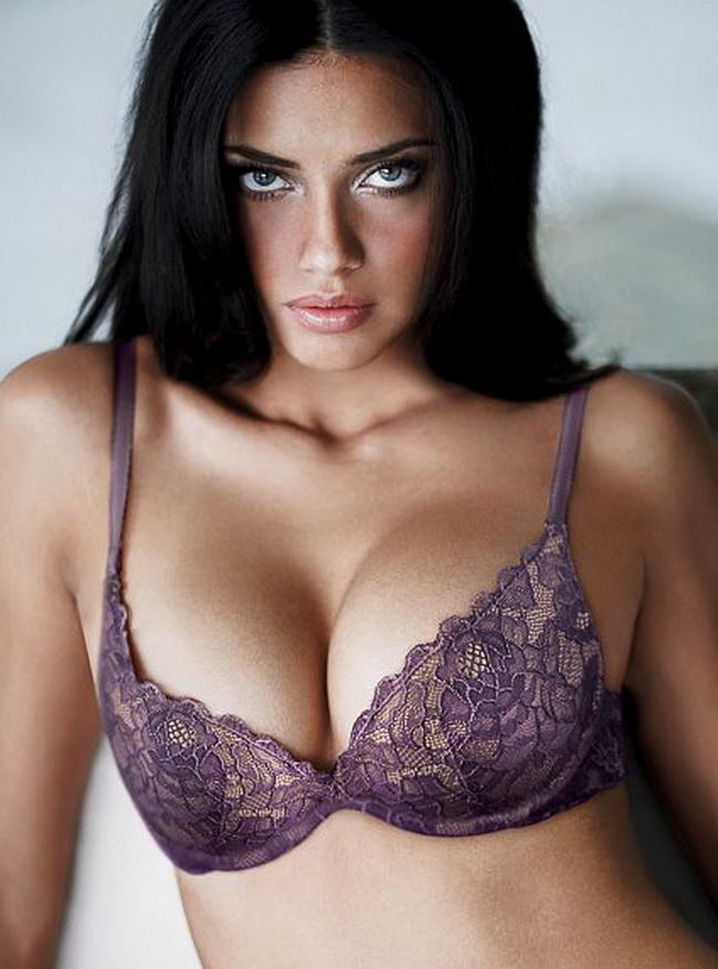 Gigantic boobs photos 1